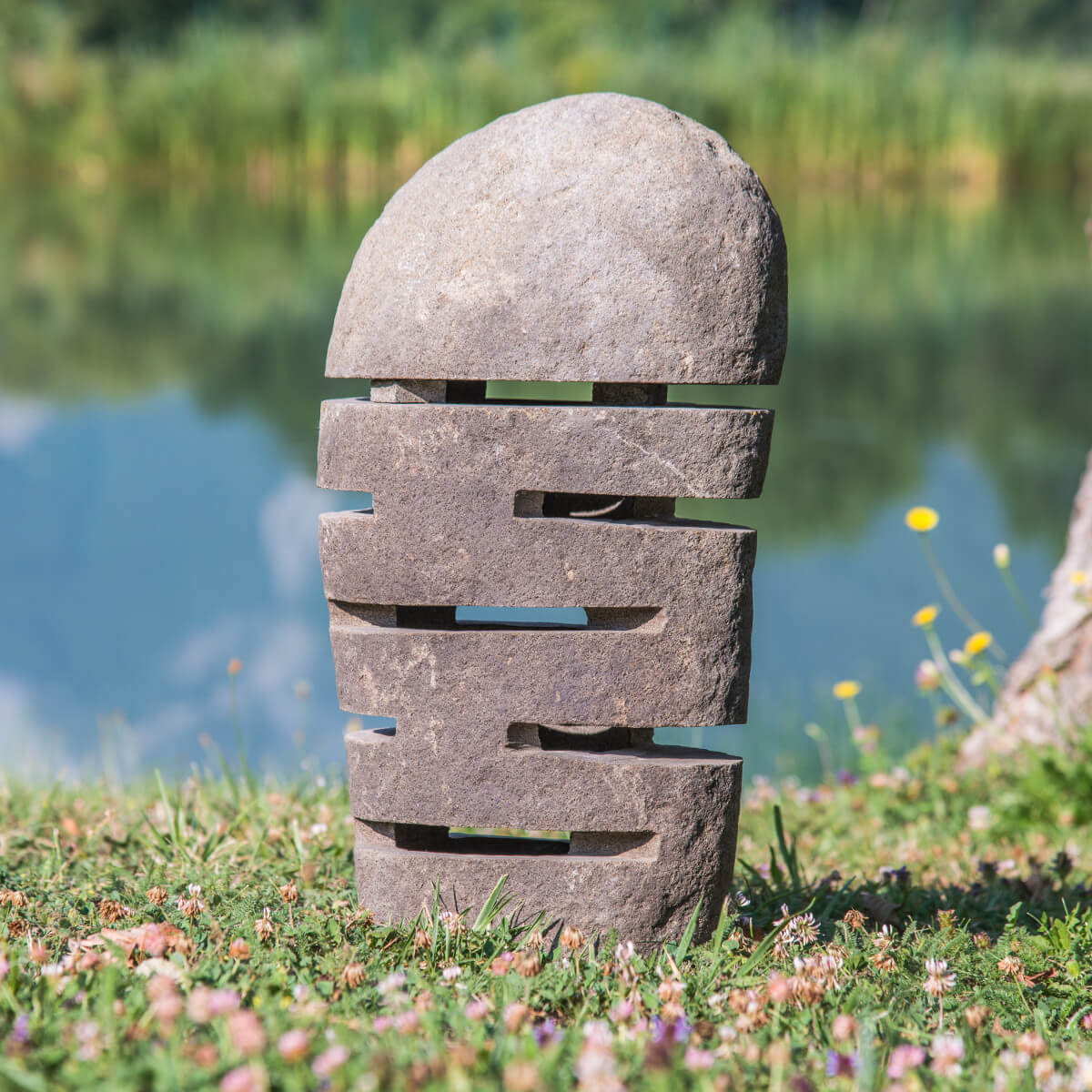 Lampadaire exterieur pierre